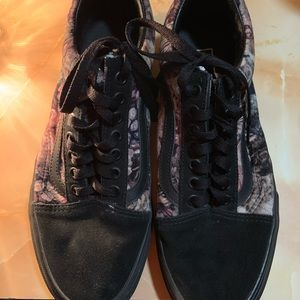 Black velvet/ suede old Skool vans